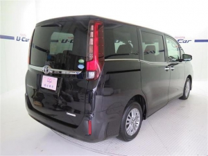Закажите Toyota Esquire из Японии под любую пошлину Vtransim.ru
