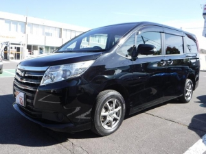 Закажите Toyota Noah из Японии под любую пошлину Vtransim.ru