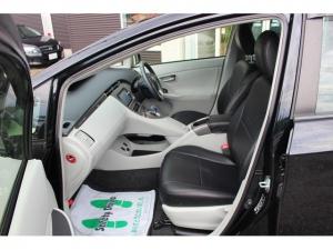 Toyota Prius PHV